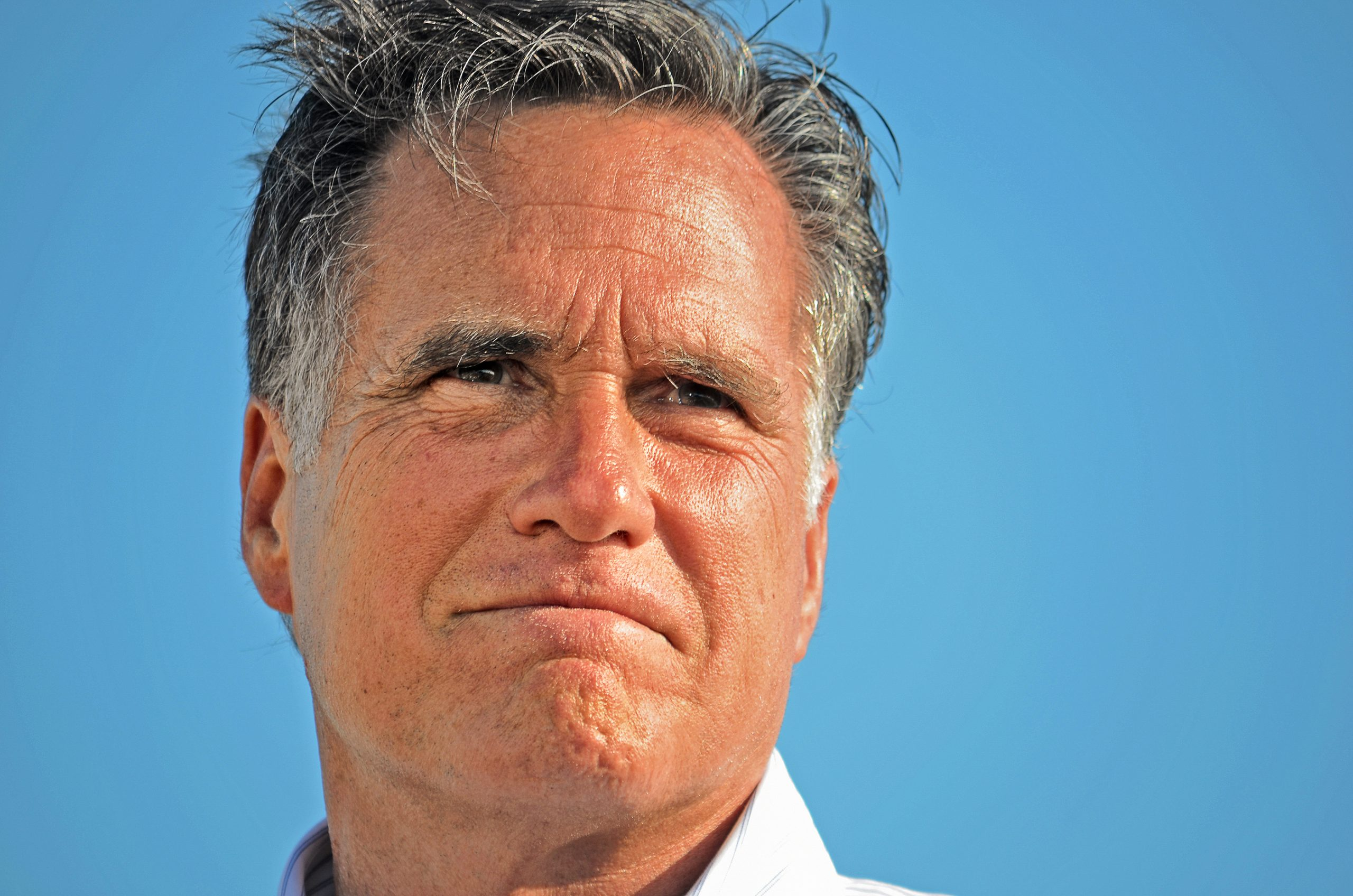 """It's OFFICIAL! Mitt Romney Is In For SCOTUS Vote- """"I Intend To Follow The Constitution"""" - Click It Conservative News"""